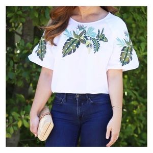 NEW Romeo + Juliet Couture • Palm Puffy Sleeve Top